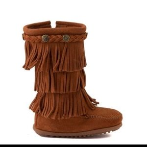 Minnetonka girls brown suede fringe boots
